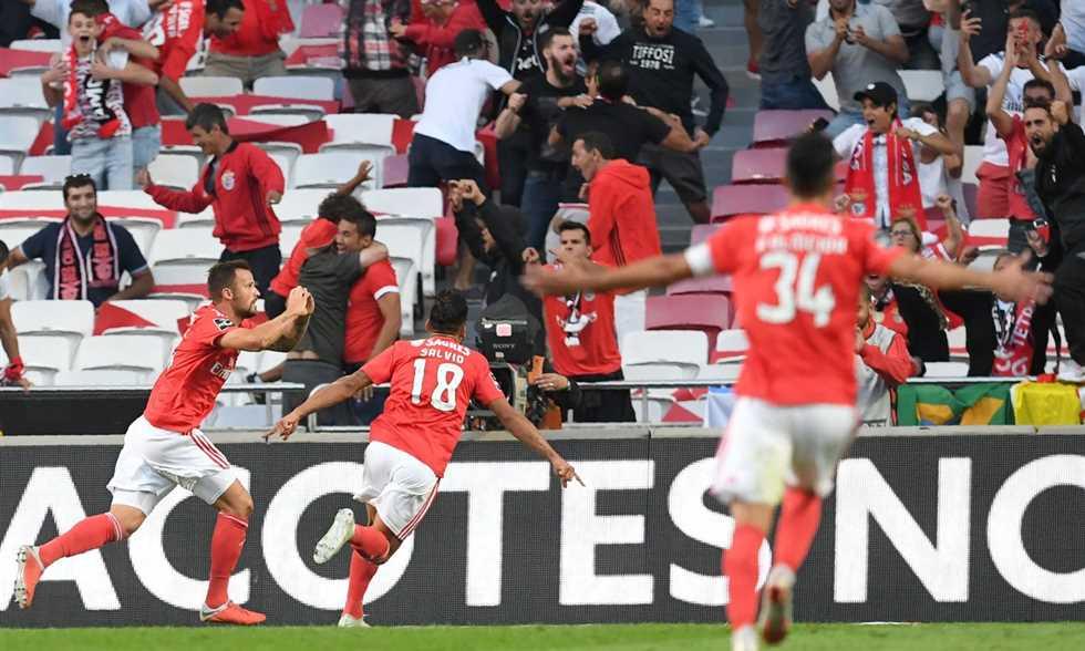 FilGoal   أخبار   بالفيديو – بنفيكا يهزم بورتو لأول مرة منذ 4 سنوات ويتصدر الدوري البرتغالي