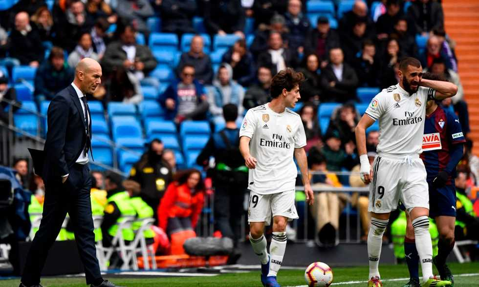 FilGoal   أخبار   بالفيديو - بنزيمة ملك الأهداف الضائعة والملغية يقود ريال مدريد لفوز صعب على إيبار